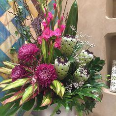 Flowers for Camilla Boutique at Robina Town Centre designed by Twigs Florist Varsity Lakes Corporate Flowers, Camilla, Boutique, Instagram Posts, Plants, Centre, Design, Flower Arrangements, Floral Arrangements