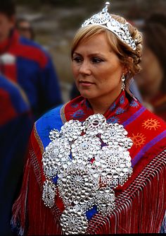 I chose this is a picture of a Sami bride to show the culture of what a bride would wear. The Sami people are one the largest groups in Europe living in Sweden, Norway, Finland and Russia. We Are The World, People Around The World, In This World, Ancient Aliens, Folklore, Costume Ethnique, Lappland, Thinking Day, Folk Costume