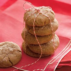 Ginger-Molasses Cookies Recipe (ONLY 60 calories) Cookie Dough Recipes, Easy Cookie Recipes, Bar Recipes, Paleo Recipes, Yummy Recipes, Chocolate Chunk Cookies, Oatmeal Cookies, Almond Chocolate, Cookie Dough