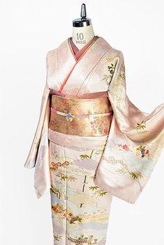 The Beauty of Japanese Embroidery - Embroidery Patterns Kimono Fabric, Kimono Dress, Kimono Style, Kimono Fashion, Fashion Dresses, Asian Fabric, Traditional Kimono, Japanese Embroidery, Japanese Outfits