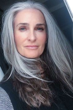 Long Gray Hair, Grey Wig, Silver Grey Hair, White Hair, Pelo Color Plata, Silver Haired Beauties, Shampoo For Gray Hair, Grey Hair Inspiration, How To Color Eyebrows