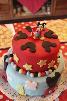 Tarta de Mickey, versión final. Decoración fondant.  Mickey Cake, final version
