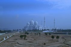 Sheikh Zayed Grand Mosque from faraway (UAE)