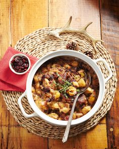 Traditional Turkey with Cranberry Stuffing Good Food, Yummy Food, Holiday Traditions, Christmas Morning, Cranberry Stuffing, Chana Masala, Holidays And Events, Holiday Crafts, Special Occasion