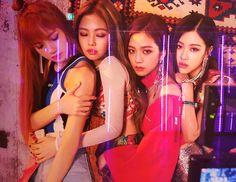 Your source of news on YG's biggest girl group, BLACKPINK! Kim Jennie, Jenny Kim, Kpop Girl Groups, Korean Girl Groups, Kpop Girls, Yg Entertainment, Melanie Martinez, Billie Eilish, Square Two