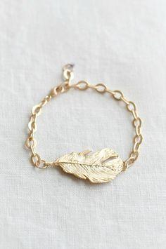 Matte Gold Feather Chain Bracelet...love