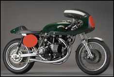 Beautiful British racing green #Egli-Vincent. It's impossible not to love it.