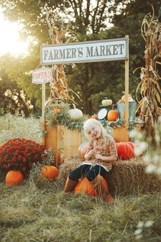 Photography Set Up, Photography Mini Sessions, Autumn Photography, Outdoor Photography, Children Photography, Halloween Mini Session, Halloween Photos, Fall Halloween, Fall Family Pictures