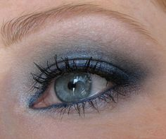 smokey blue for hooded eyelids Hooded Eyelids, Hooded Eye Makeup, Maybelline Color Tattoo, Cool Skin Tone, Blue Lipstick, Cream Eyeshadow, Blue Makeup, Gorgeous Makeup, Colorful Makeup