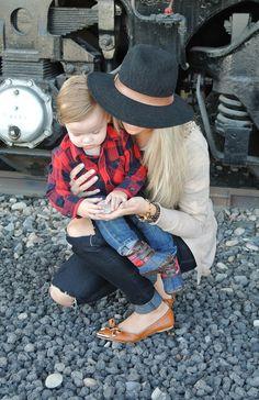 Cara Loren- Adorable mother and fashion blogger