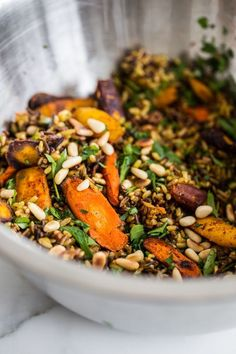 Brown Rice Salad with Spice-Roasted Carrots, Feta + Pine from My Darling Lemon Thyme (Edible Perspective) - Essen und trinken - Salat Healthy Salads, Healthy Eating, Dinner Healthy, Healthy Food, Kale Salads, Breakfast Healthy, Clean Eating, Brown Rice Salad, Whole Food Recipes