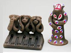 三匹猿、子抱猿 - 一般財団法人 日本工芸館 - 伝統工芸品(民芸品)を広く紹介する展示館 -