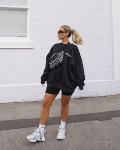 anneduerr - 0 results for biker shorts outfit Summer Shorts Outfits, Komplette Outfits, Cute Casual Outfits, Urban Outfits, Cool Girl Outfits, Sneakers Fashion Outfits, Athleisure Outfits, Outfit Summer, Spring Outfits