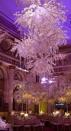 I'm obsessed with White and pink and gold and silver and Lights!!!! I think I need to be a wedding planner!;)