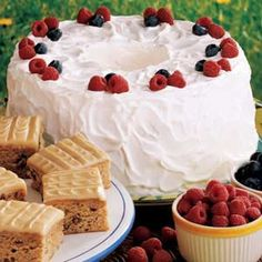 Angel Berry Tunnel Cake - what a great summery dessert!  I hear BBQ in my near future...