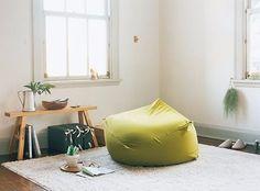 無印良品体にフィットするソファ vs IKEA BUSSANビーズクッション ... 両クッションを徹底比較!価格編