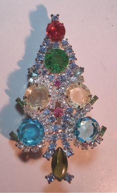 342 best Jewel Christmas Trees images on Pinterest   Christmas deco ...