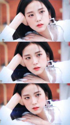 Hi i'am only post Photo Blackpink ❤️❤️❤️ Blackpink Jisoo, Kim Jennie, Yg Entertainment, South Korean Girls, Korean Girl Groups, Black Pink ジス, Another A, Blackpink Members, Blackpink Photos