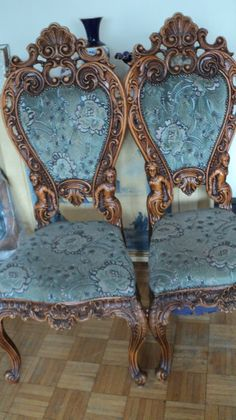 STUNNING ANTIQUE CHAIRS ANGELS SEASHELLS CARVED WOOD, STUDS BLUE VELVET