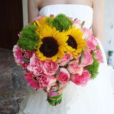 Image result for decoracion de boda con girasoles y flores rosas