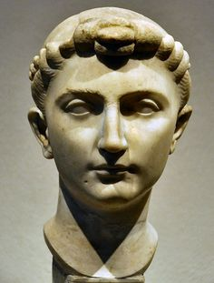 Marble bust of Julia, daughter of Augustus -nodus stylized hair - 39 BC - AD 14 Roman woman BCE 050-025 - 1st century