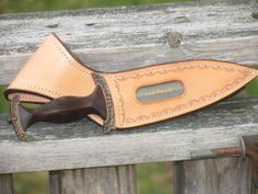 Innovative Knife Sheaths - Gun Holsters, Rifle Slings and Knife Sheathes - Leatherworker.net