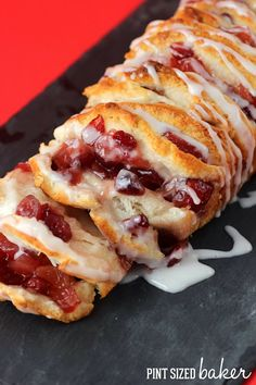 Apple Cranberry Spice Pull Apart Loaf ~ it's perfect for the Holiday's...  perfect blend of apples, cinnamon and cranberry.