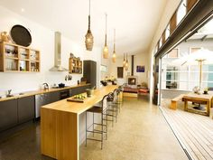 Classic kitchen-living kitchen design using frosted glass - Kitchen Photo 196821 Kitchen Size, New Kitchen, Kitchen Decor, Kitchen Ideas, Kitchen Island Table, Kitchen Benches, Kitchen Images, Kitchen Photos, Beautiful Kitchens