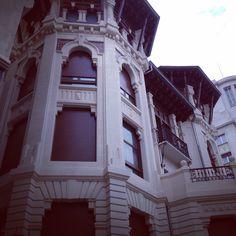 Edificio Pamplones hermoso a la par q terrorífico ...