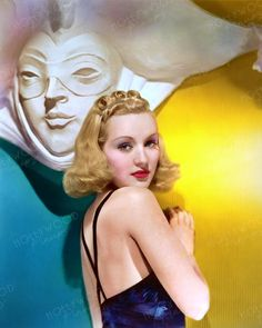 Color enhanced image of young Betty Grable by Hollywood Pinups from the b&w original. Classic Movie Stars, Classic Movies, Famous Legends, Golden Age Of Hollywood, Locks, Actors & Actresses, Pin Up, Aurora Sleeping Beauty, Photos