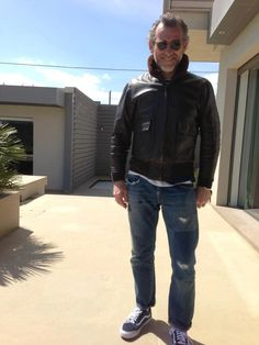 #alessandrosquarzi Military Fashion, Mens Fashion, American Casual, Casual Outfits, Men Casual, Men's Leather Jacket, Mens Style Guide, Cool Jackets, Outfit Combinations