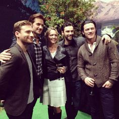 Twitter / TheHobbitMovie: A lucky fan and the dashing  lads of #TheHobbit at #TheBookofNewZealand opening. #RealMiddleEarth @ Pure New Zealand