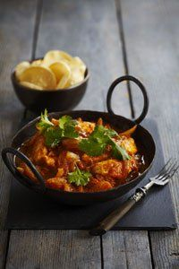 Calories per serving: 225 Find the recipe here: Easiest ever chicken tikka masala Trying the diet? Give our 500 calorie meal plans a try Curry Recipes, Diet Recipes, Chicken Recipes, Cooking Recipes, Healthy Recipes, Healthy Dinners, 500 Calorie Meal Plan, No Calorie Foods, Calorie Intake