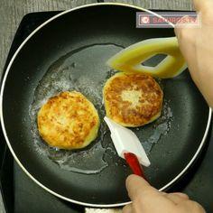 O cină copioasă în doar 5 minute! Chifteluțe de cartofi – un deliciu de zile mari! - savuros.info Pancakes, Eggs, Breakfast, Food, Bebe, Morning Coffee, Essen, Pancake, Egg