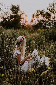 Earn Money Taking Pictures - . Earn Money Taking Pictures - Photography Jobs Online Smoke Bomb Photography, Self Portrait Photography, Photography Jobs, Beauty Photography, Photography Flowers, Photography Hashtags, Digital Photography, Photography Courses, Hippie Photography