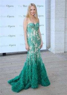 "Heather Graham attends the season-opening performance of Tchaikovsky's ""Eugene Onegin"" at the Metropolitan Opera House in New York City on Sept. 23, 2013."
