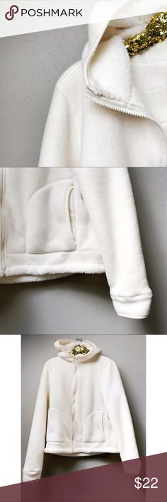 Creamy White Fleece Jacket Creamy white fleece jacket, zip-up with hood and front pockets. Great for fall!  ✅Offers On Items Over $10 ✅Bundle & Save 🚫Trades 🚫Off-Posh 🚫Modeling  💞Shop with ease; I'm a Suggested User.💞 Faded Glory Jackets & Coats