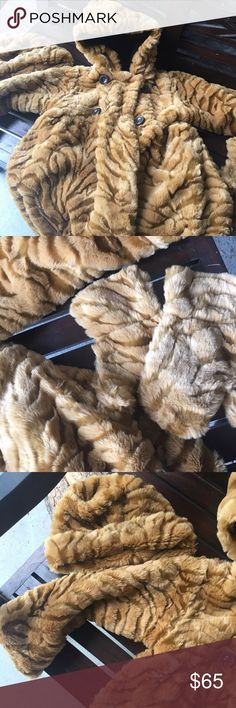 """Corky and Company faux fur Bengal petticoat size 5 Start your daughter's fall season in style! Corky and Company faux fur Bengal petticoat size 5 knee length with hat and gloves. Excellent, """"Klose2new"""" condition! Only worn once. Corky and Company Jackets & Coats Pea Coats"""