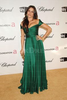 Sofia Vergara Off The Shoulder sexy Pleated/Ruched Chiffon Celebrity Prom Dresses Oscars - by OKDress UK Green Evening Dress, Evening Dresses With Sleeves, Green Dress, Celebrity Evening Gowns, Celebrity Prom Dresses, Joe Manganiello, Sandro, Oscar Dresses, Party Gowns