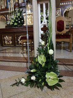 Znalezione obrazy dla zapytania dekoracja ołtarza komunia