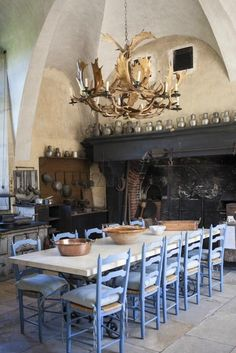Chateau de Dree, Curbigny: See 25 reviews, articles, and 45 photos of Chateau de Dree on TripAdvisor.