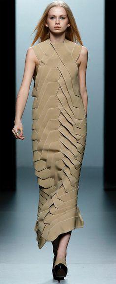 Seen at Cibeles Madrid Fashion Week. Fashion Art, Womens Fashion, Fashion Design, Sculptural Fashion, Future Fashion, Fabric Manipulation, Fashion Details, Textile Design, Wearable Art