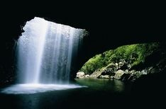 Natural arch Gold coast hinterland.. a fave spot right round the corner from us. so not really travel album i guess..
