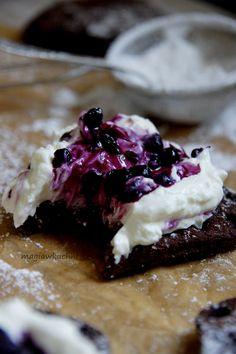 Chocolate waffles rye / Żytnie gofry czekoladowe http://magiawkuchni.blox.pl/2015/02/Czekoladowe-gofry-zytnie.html