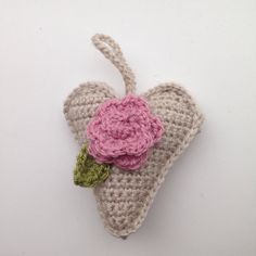 Took some time out from blanket making to make this lavender filled hanging heart for my mum for Mother's Day #crochet #crochetaddict #crochetlove #crochetofinstagram #instacrochet #whatsonmyhook #onmyhook #crochetheart #crochetgift #loveheart #hangingheart #mothersday #handmade #madewithlove by lilyrosecrochet