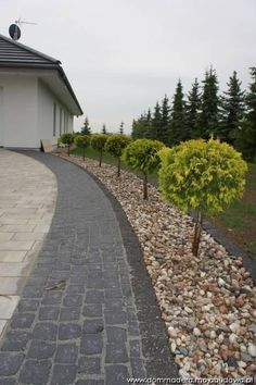 Blog MojaBudowa.pl Dom MADERA DOM PASJA buduje dommadera - internetowy dziennik budowy, katalog firm budowlanych Family House Plans, Dream House Plans, My Dream Home, Dream Mansion, Bungalow House Design, Concept Home, Outdoor Areas, Backyard Landscaping, Paths