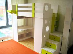 Loft bed green with tray