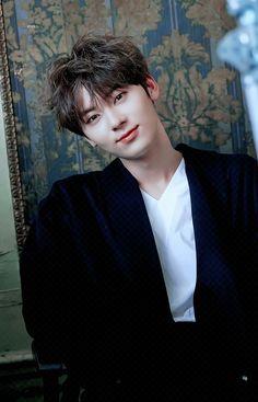 Jinyoung, Minhyuk, Busan, Nu Est Minhyun, Nu'est Jr, Elle Magazine, Pledis Entertainment, Seong, Pop Singers