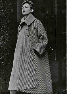 Balenciaga 1950. Elegante abrigo