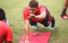 """""""Bora, Colômbia"""": Cuéllar recebe apelido em treino sem Sheik e Gabriel"""